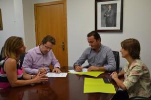 IMG-Firma convenio Peñíscola
